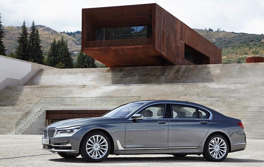 Recall BMW Seri 7