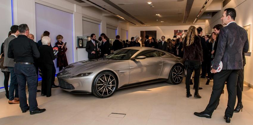 Proses Lelang Aston Martin DB10 di London
