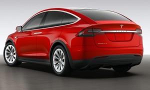 Tesla Model X Signature Red Edisi Imlek