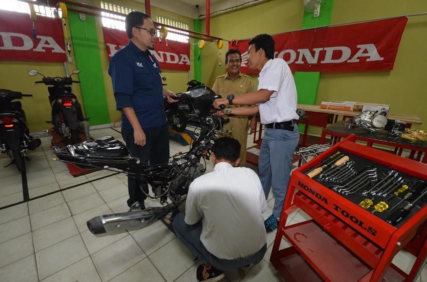 Motor dan Tool Kits Standar AHASS