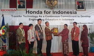 Honda Berikan Pelatihan Calon Teknisi Kepada Siswa SMK