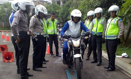Polisi Pun Perlu Latihan Safety Riding
