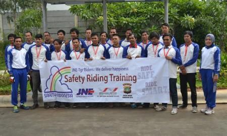 Wahana Latih Safety Riding Kurir JNE