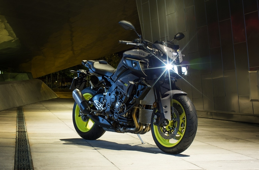 Naked Bike Terkencang Yamaha