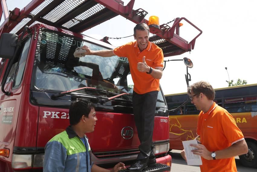 Bentuk Perhatian UD Truck kepada Sopir Truk