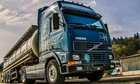 Teknisi Volvo Truck Indonesia