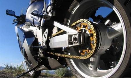 Tips Hindari Rantai Motor Kendur dengan Cara Sederhana