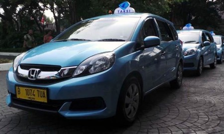 Tips Beli Mobil Bekas Taksi