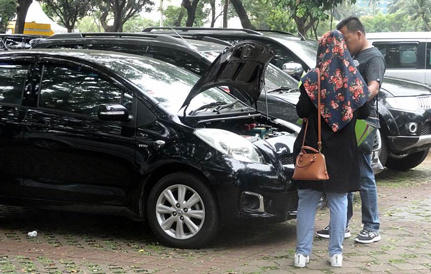 Lelang Mobil dan Motor
