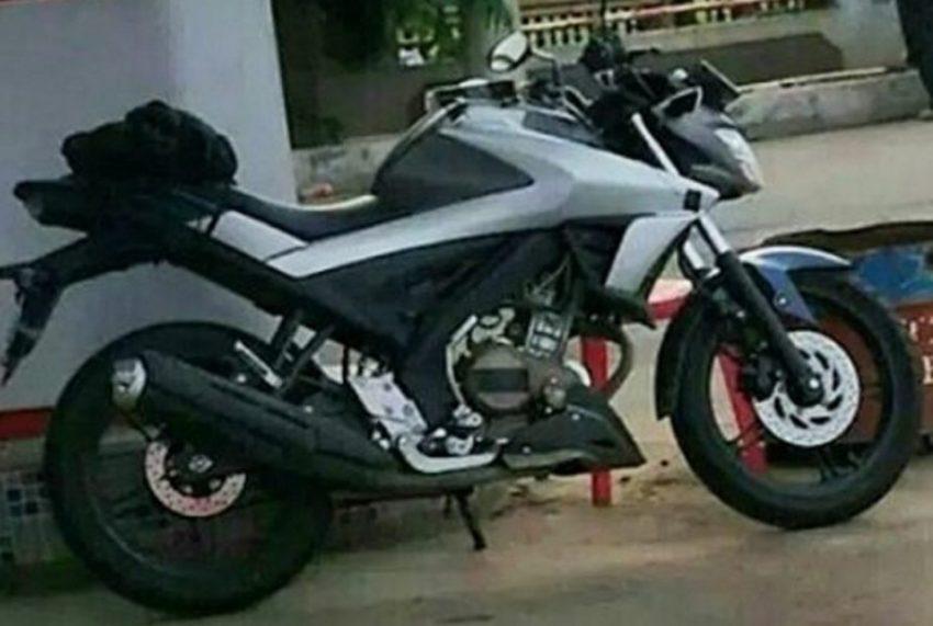 Yamaha V-Ixion 2017