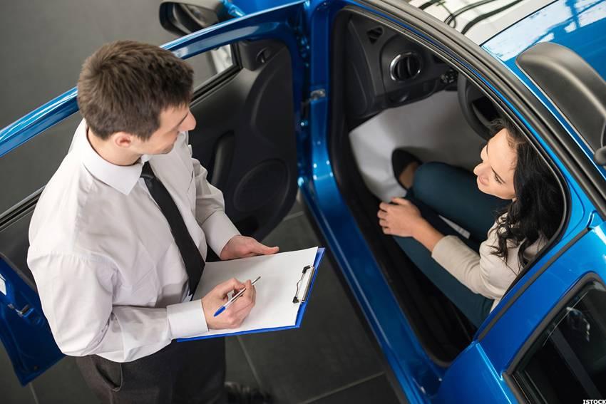 Hal-hal yang Perlu Diperhatikan Ketika Beli Mobil Kredit
