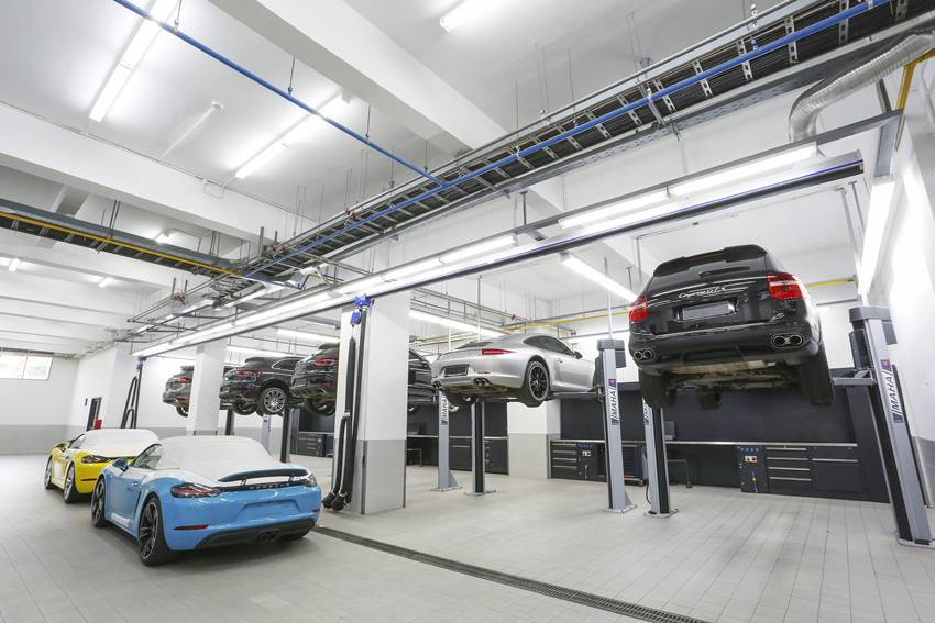 Porsche Centre Jakarta