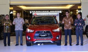 Mitsubishi Outlander Sport Action