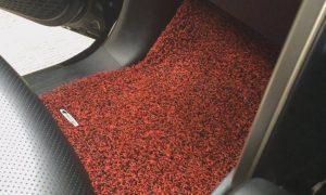 Tips memilih karpet mobil penting untuk menjaga agar kabin mobil tetap bersih, terhindar dari kotoran, atau tumpahan cairan. Berikut hal yang perlu diperhatikan saat memilih karpet mobil.