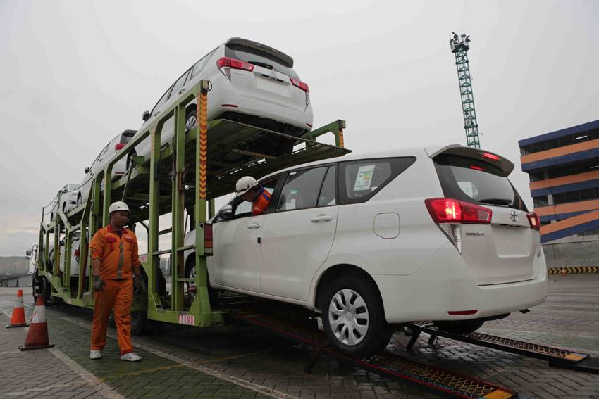 Ekspor CBU Toyota Indonesia