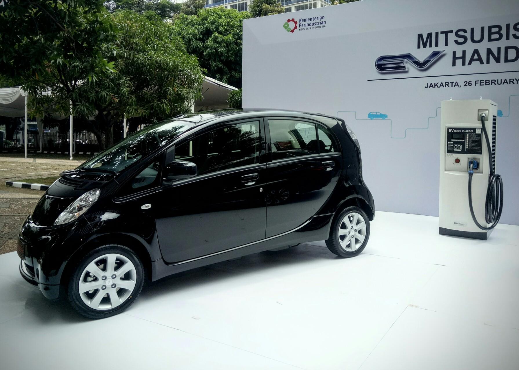 Mobil Listrik Mitsubishi