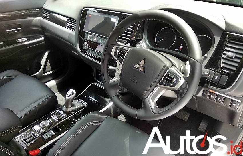 Mitsubishi Outlander PHEV Buat Indonesia