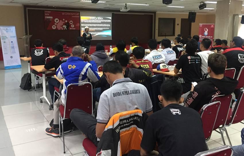 Pelatihan Jurnalistik bagi Komunitas Motor Honda