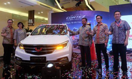 Wuling Cortez di Surabaya