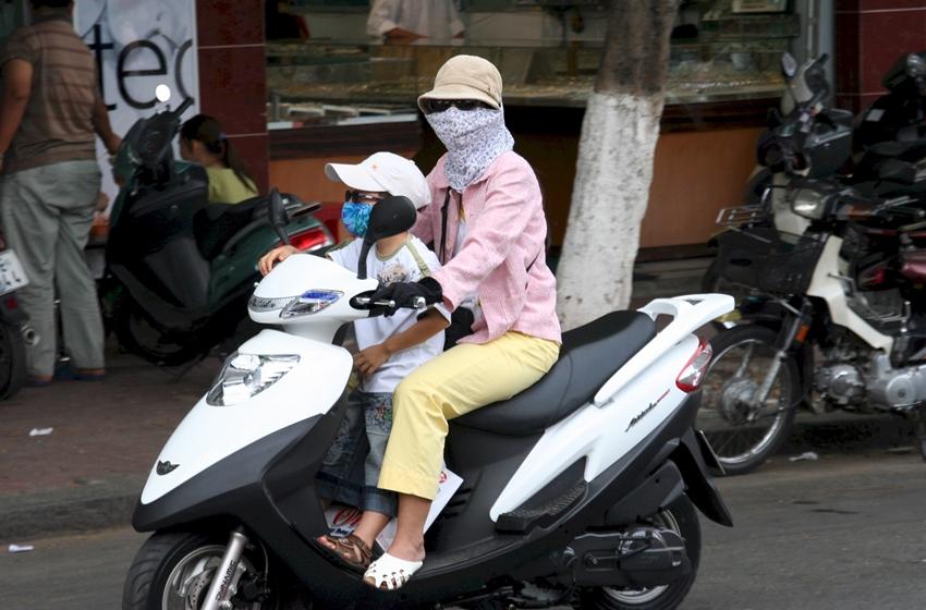 lalai membonceng anak dengan motor berisiko tinggi