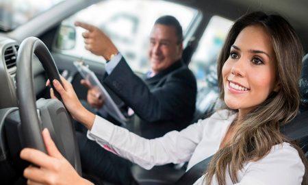 Tips mengendarai mobil manual