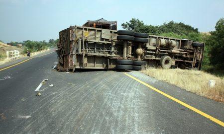 penyebab kecelakaan truk
