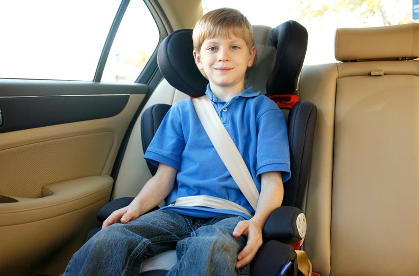 seat belt adalah fitur mobil yang juga kerap dilupakan
