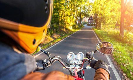tips berkendara saat cuaca panas