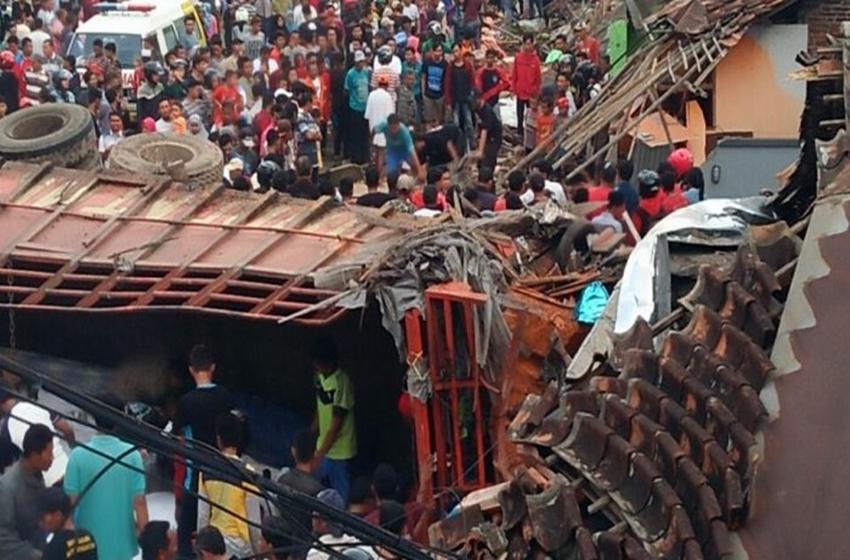 Kecelakaan truk di Brebes, Jawa Tengah pada Minggu 20 Mei 2018