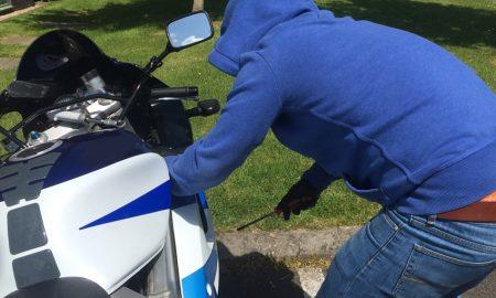 mengamankan motor dari maling