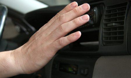 suhu panas di kabin mobil