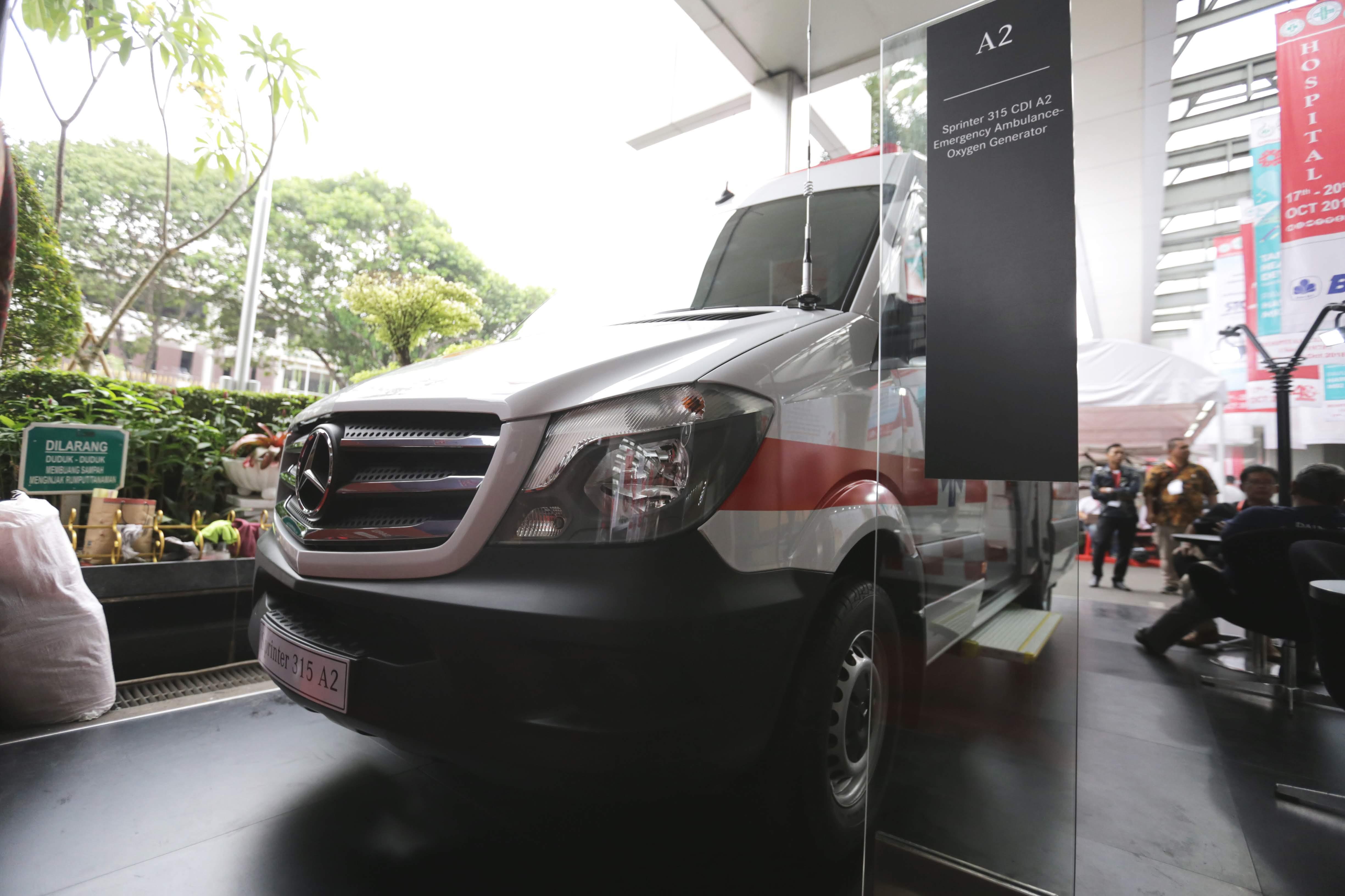 Mercedes Benz Sprinter Ambulans Hadir Di Hospital Expo 2018 All New Cbr 150r Racing Red Kota Semarang