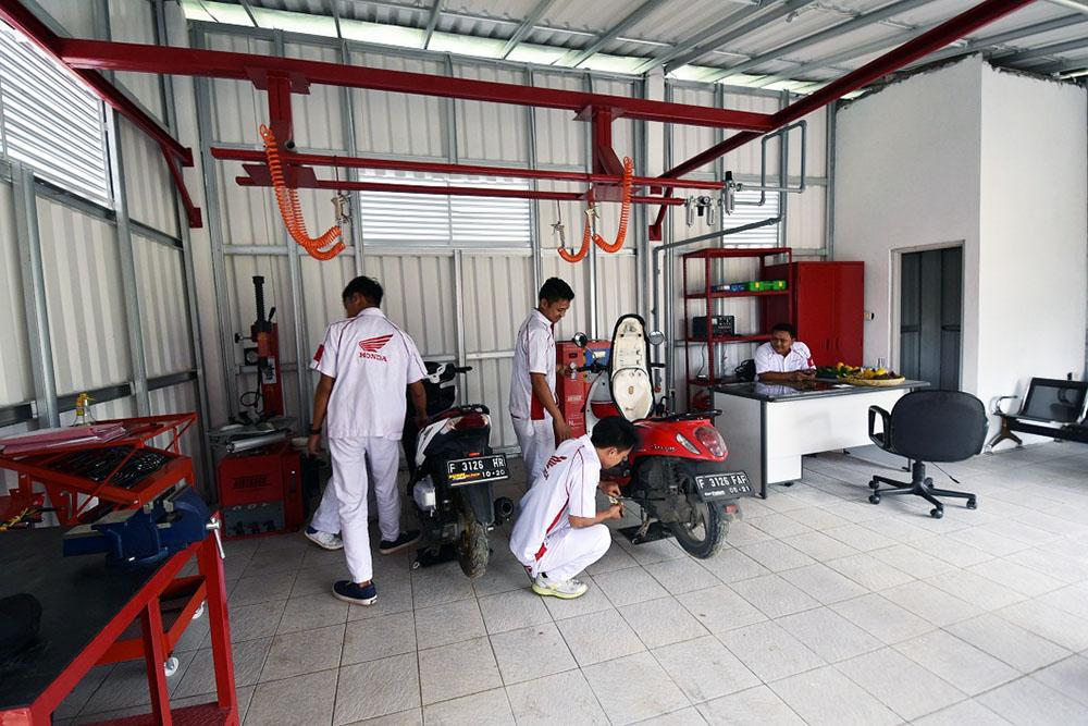 BAnguan, Fasilitas dan peralatan Bumdes Cinangka Motor (2)