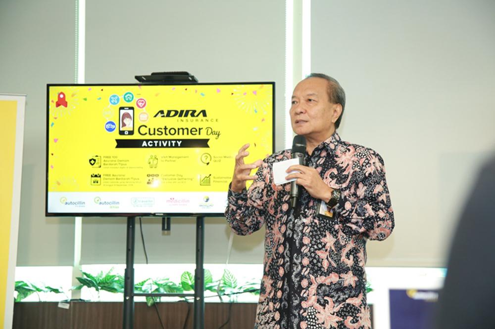 Julian Noor – Chief Executive Officer Adira Insurance saat menyambut seluruh Pelanggan hadir di Kantor Pusat Adira Insurance