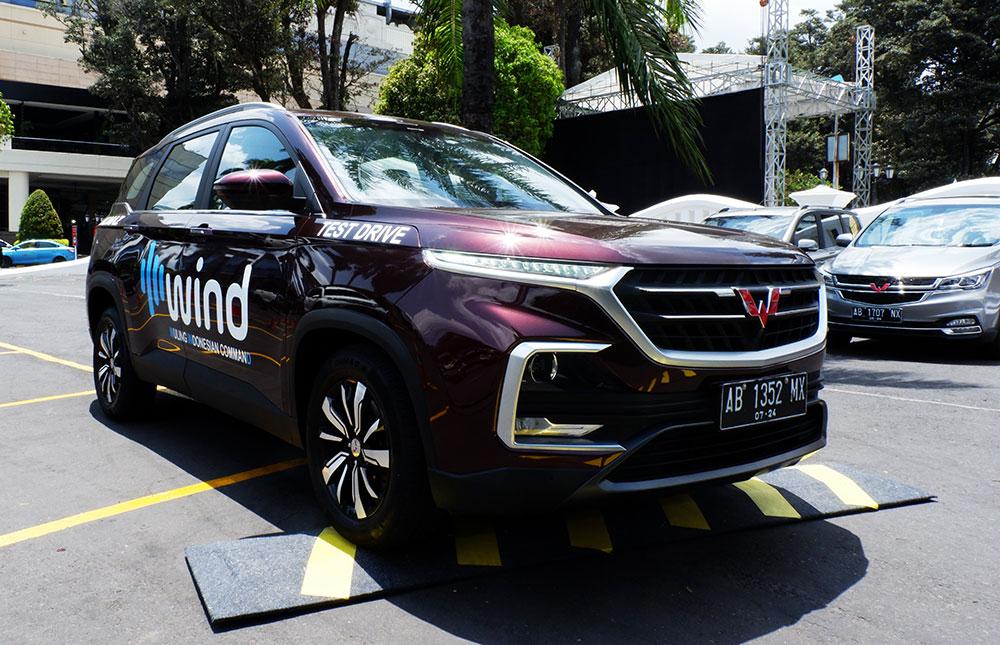 Tersedia-juga-test-drive-berhadiah-menarik-bagi-pengunjung-yang-ingin-merasakan-sensasi-berkendara-bersama-berbagai-lini-produk-Wuling