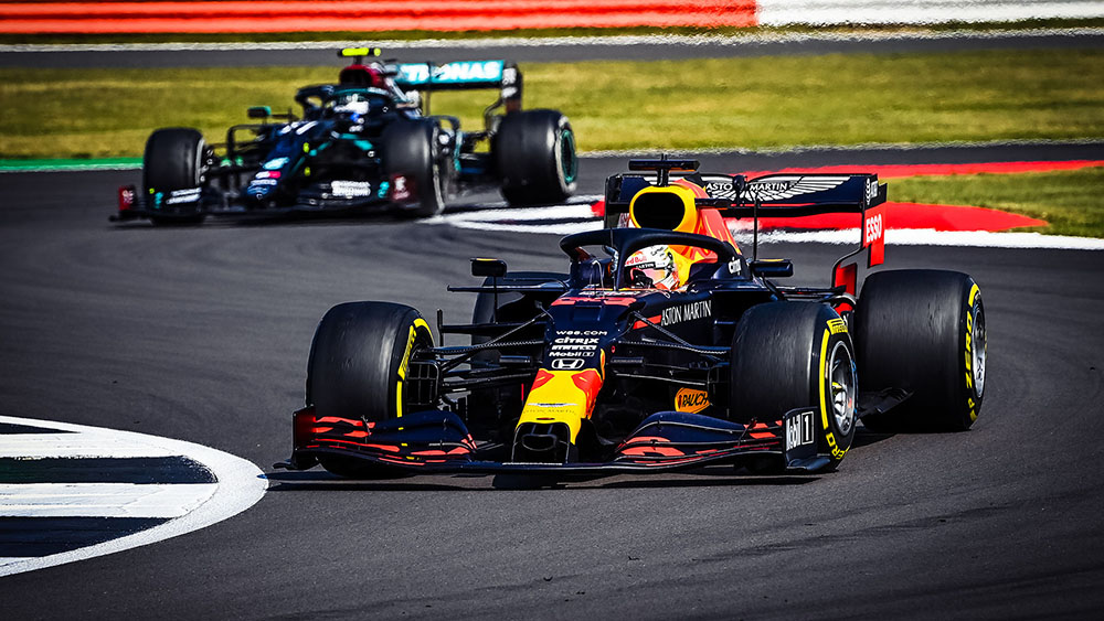 Max Verstappen Menangkan Balapan Historis Peringatan 70 Tahun F1 Grand Prix oleh - velgmobilmurah.online