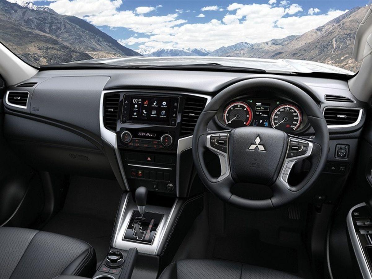 Interior Penuh Sentuhan Leather Mitsubishi Triton