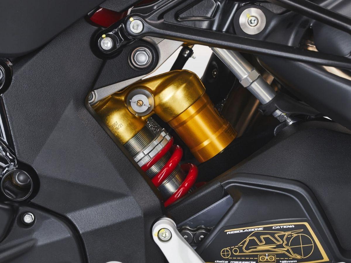 Detail Mesin Brutale 1000 RS