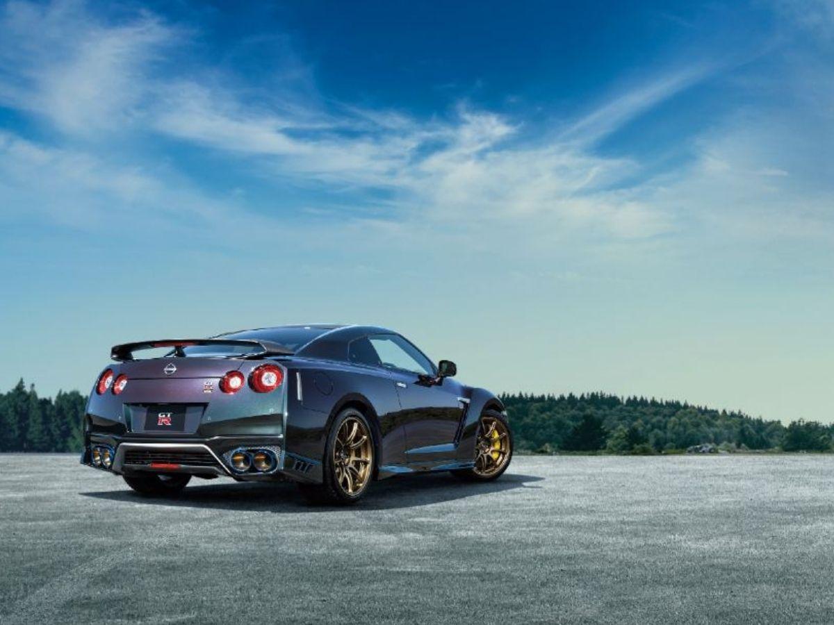 Harga jual Nissan GT-R T-Spec